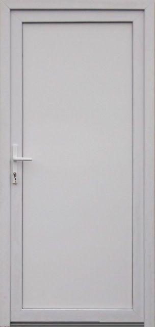 Emese tömör műanyag bejárati ajtó + ajándék